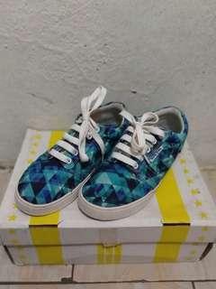 9/10 ninedime sneakers stubborn bluegonal size 38