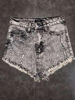 Chica booti short shorts