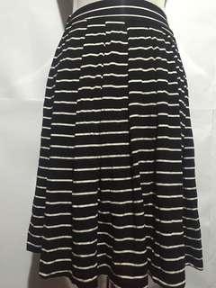 B&W Stripes Knee-length Skirt