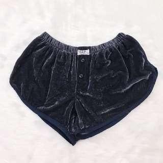 Gap Velvet Shorts - Black