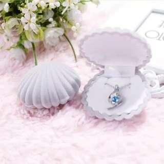 Shell Shape Lovely Velvet Ring Earrings Necklace Bracelet Jewelry Display Box Holder
