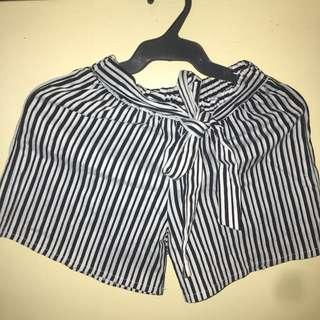 Stripes ribbon shorts