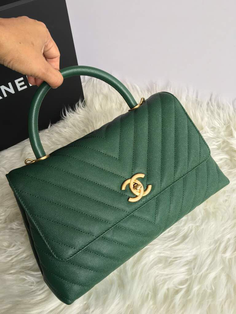 4260b56e32b171 Chanel coco handle small size A 90991, Luxury, Bags & Wallets ...