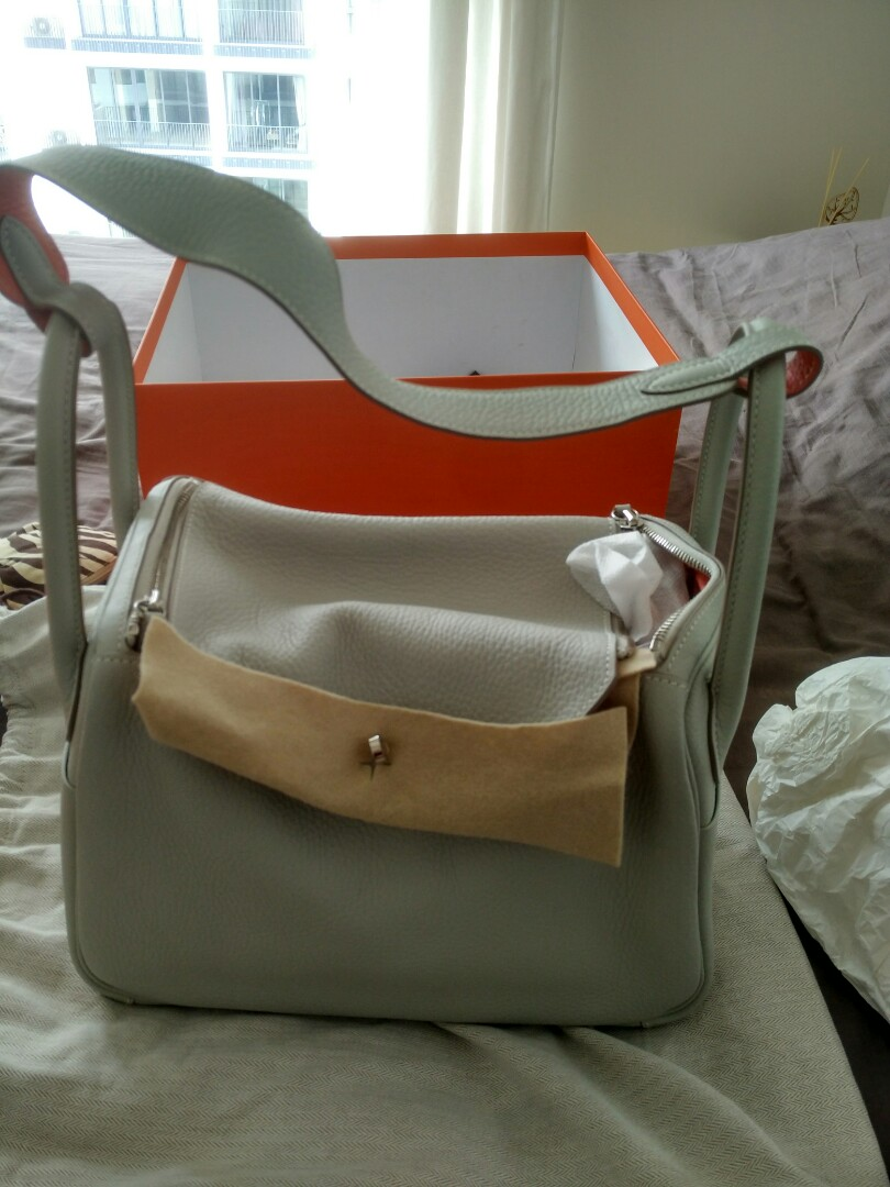 fea75aed504 Excellent Condition  Hermes Lindy 30 Eclat Clemence in bicolor ...