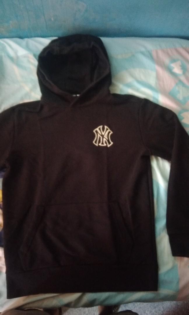 new arrival 0ee24 79cb3 New york yankees hoodie