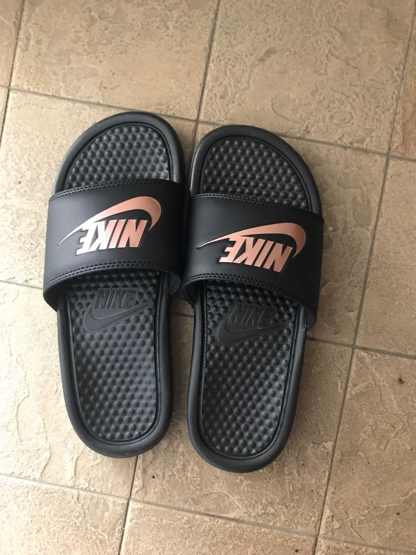 b7a8163039b Nike Benassi Slides Rose Gold