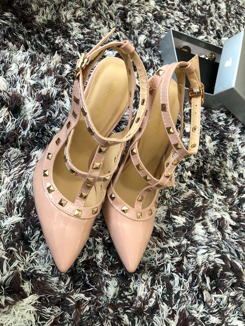Valentino looks a like,import nude heels,no box