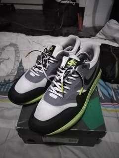 Repriced! Nike Air Max Lunar 1 Size 11 US