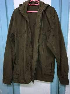 🚚 軍綠風衣薄外套