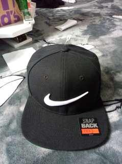 🚚 Nike  耐吉 帽子 電繡 logo 基本 經典 黑色 運動 sb