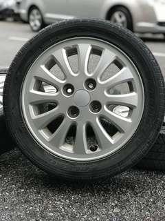 Original sports rim viva elite 14 inch tyre 70%
