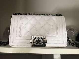 White chain purse
