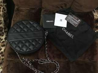 USED Vintage Chanel Black Quilted Round Shoulder Bag (replica only)