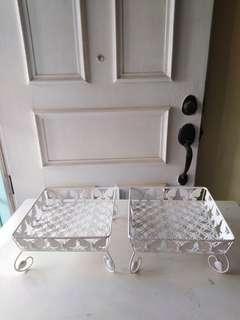 2x White food tray make by iron