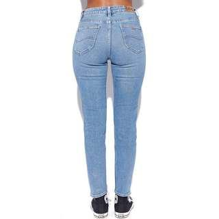 🌿(Size 8) BNWT Lee Skinny Straight Jeans - Similar to Mom Jeans 26 inches