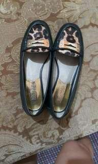 MICHAEL KORS loafer flats