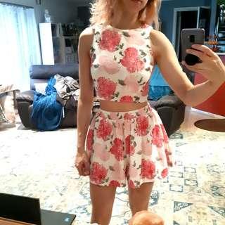 Missguided pink flower set