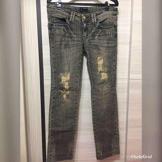 🚚 IBS 牛仔褲(28腰)