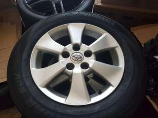 Toyota Alphard Wheels and Tires