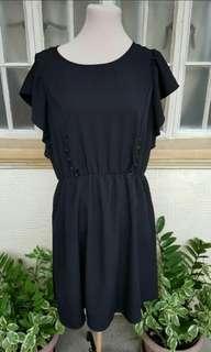 (L) New new black dress