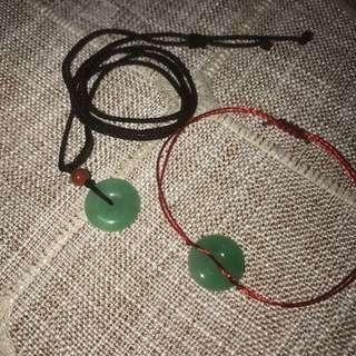 冰糯綠底,bb平安扣,A貨(附帶證書),可以做bb手頸腳掛飾,寓意平安健康。實物更綠,也可以加工成耳環。