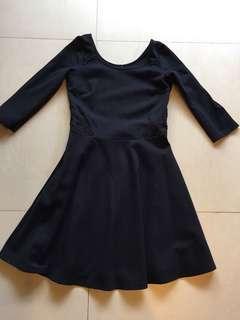 🚚 Hollister洋裝