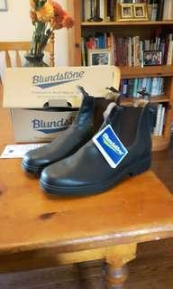 Blundstone Size 12 Boots, NEVER WORN PERFECT CONDITION