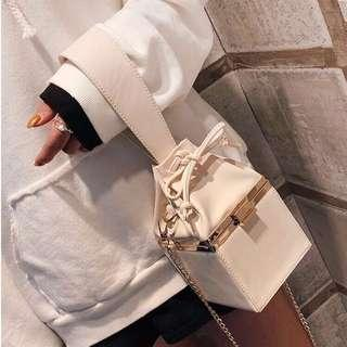 Sling box bag