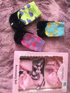 Baby socks and accessory set