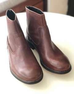 🚚 貝里尼男靴43號