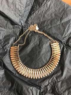 Hnm gold necklace