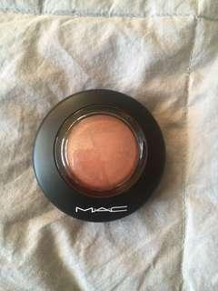 Mac Mineralize Blush // LOVE JOY
