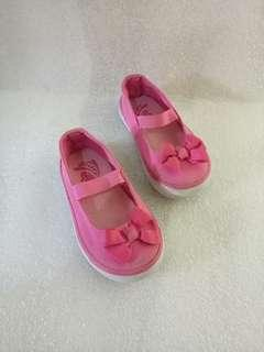Place doll shoes