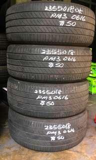 235 50 18 Michelin