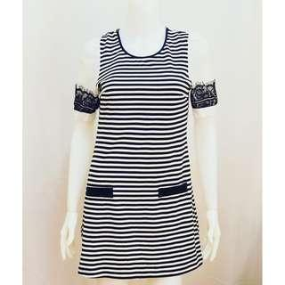 White Black Stripped with Lace Details (FREE SHIPPING 2 ITEMS up)