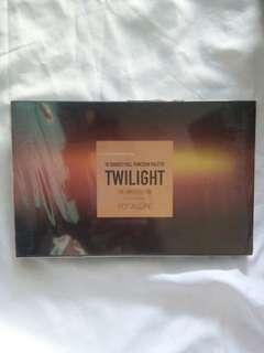 Eyeshadow pallete twilight focallure