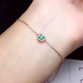 每月一次大特惠又來了,18K金祖母綠手鏈,主石3mm , 又綠又清透,半賣半送$1388一條,淨鑲嵌材料都不只這價錢了.instagram shop: jewellerysea