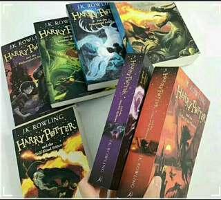 Harry Potter set books (original price Rm260)