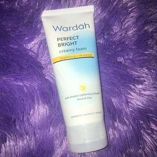Wardah Perfect Bright Creamy Foam face wash