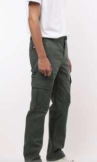 🚚 Dickies 中低腰 小直筒 六口袋 抗撕裂 工作褲 長褲 綠 | TWD703 carhartt 可參考