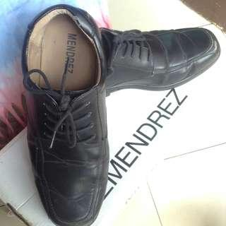 Mendrez black shoes
