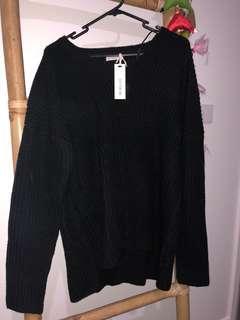 Black Knit Chunky M. NEW! BNWT