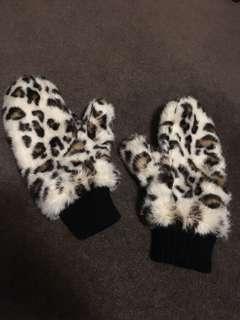 Leopard Print Mittens