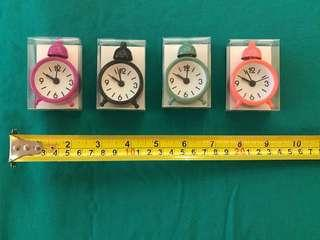 4 Miniature Clocks