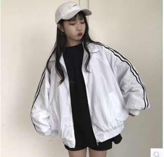 Uzzlang white windbreaker