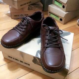 🚚 la new 休閒鞋  23.5