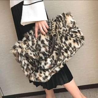Leopard print fluffy bag
