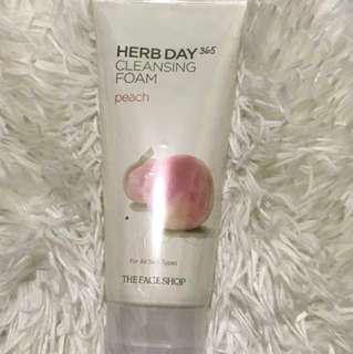 Herb Day Cleansing Foam in Peach