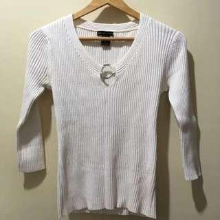 New York & Co. White Knit Top With Silver Ring Accent Size S.