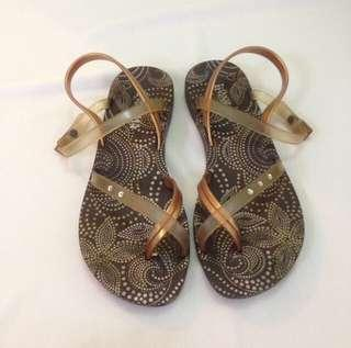 Ipanema Rubber Sandals with Straps